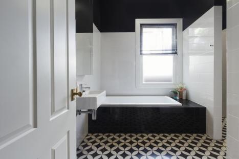 pose de carrelage de salle de bain